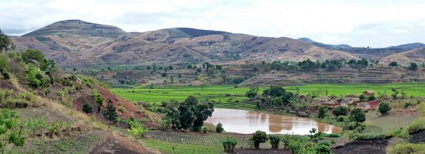 cône Ambohimalala lac Antsizaza