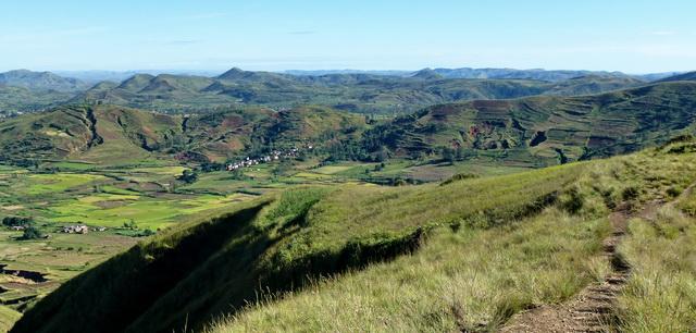 du sommet Antsahamaina le massif Ambatoharanana