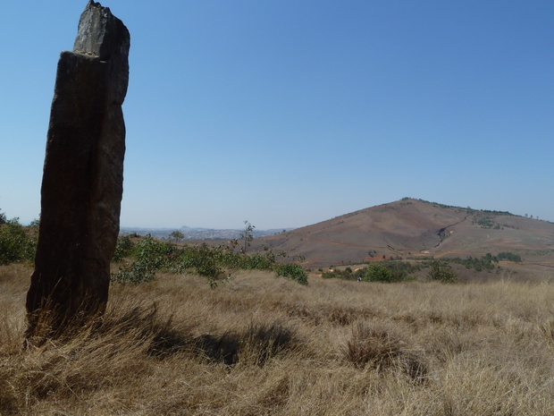 Pierres levées en face Ambohitrandriana 1447 m