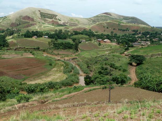 Rivière Kitombolo village de Ambiatibe