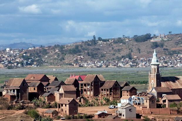 village de AMBOHINAORINA