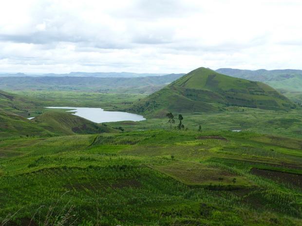 lac Manandona cône Ambohitritainerina