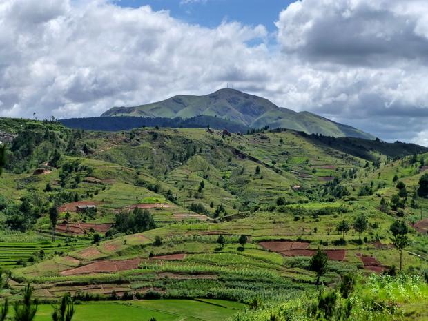Antananarivo Ampefy circuit VTT de 143 km sur 2 jours massif Ambohimiangara