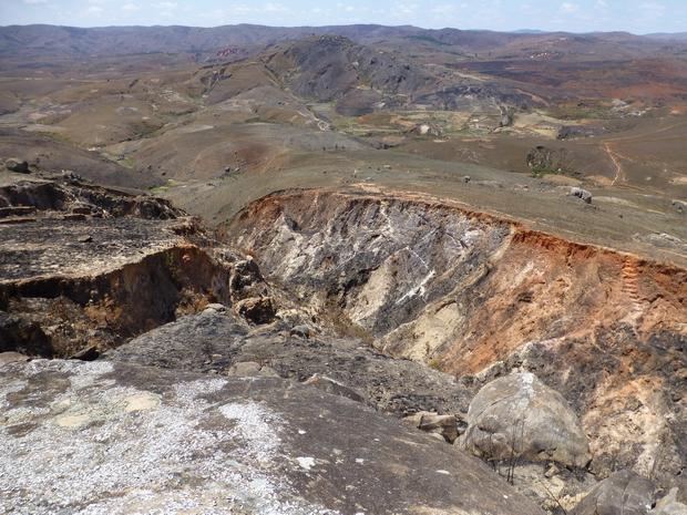 ravine protégeant le site