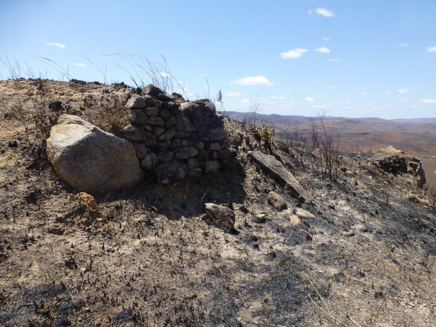 les Sites fortifiés des hauts plateaux Remparts du Rova Ambohitsiroa