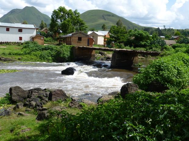 Rivière Lily village Antafofo