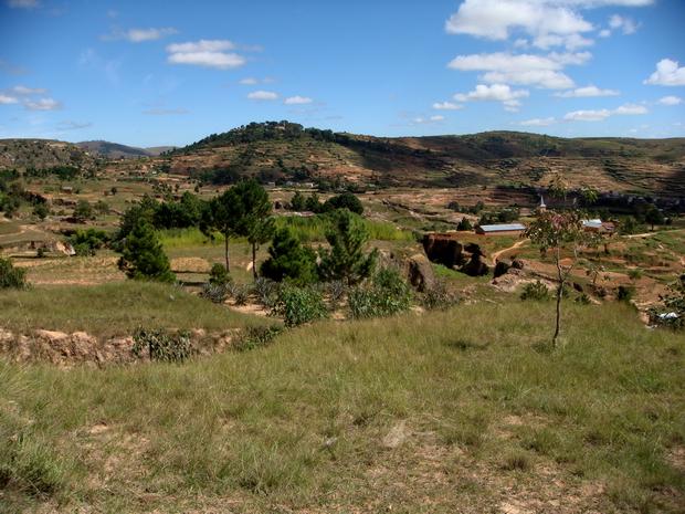 colline boisée Antsahadinta