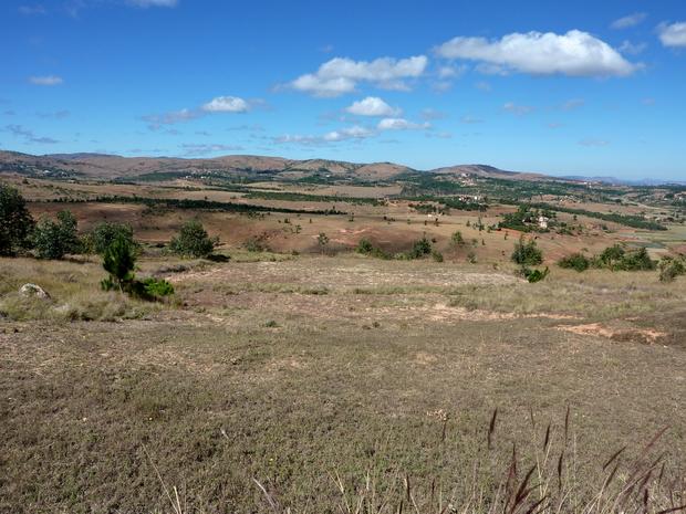 Massif Ambohitsoa, Ambohibola et Ambohitrikanjaka berceau des tombeaux imerina