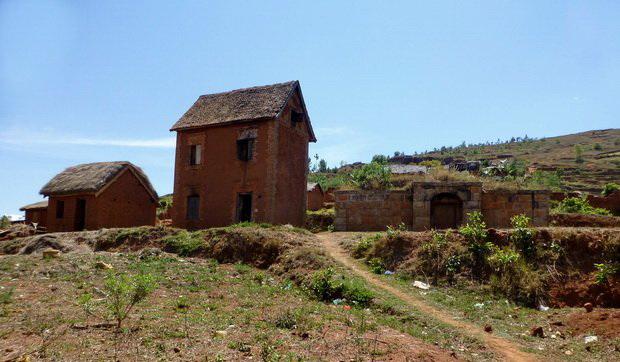 maison et son tombeau