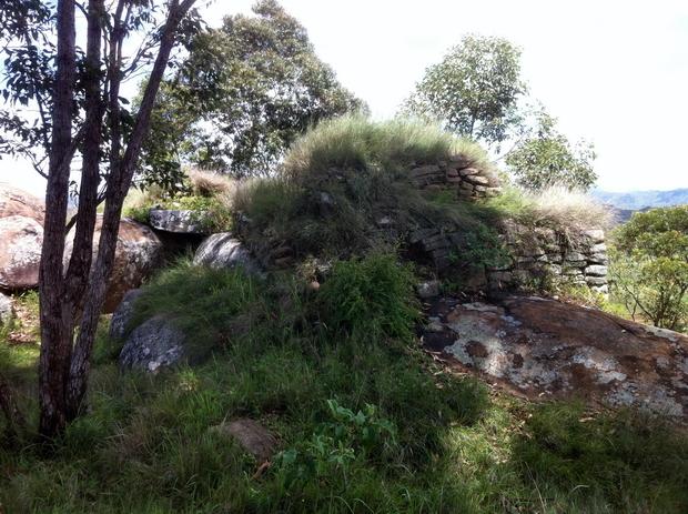 Rova Antavinomby portes et murailles