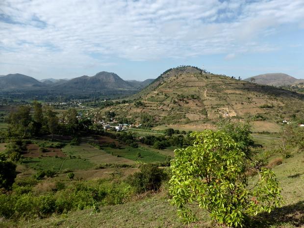 village Sahapetraka et le dôme Nene