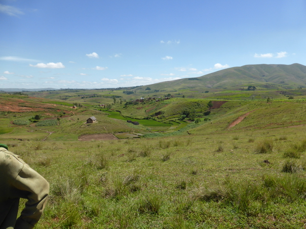 village Marohery à l'horizon le Ambohimiangara