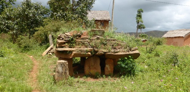 tombeau Ampasamanatongotra