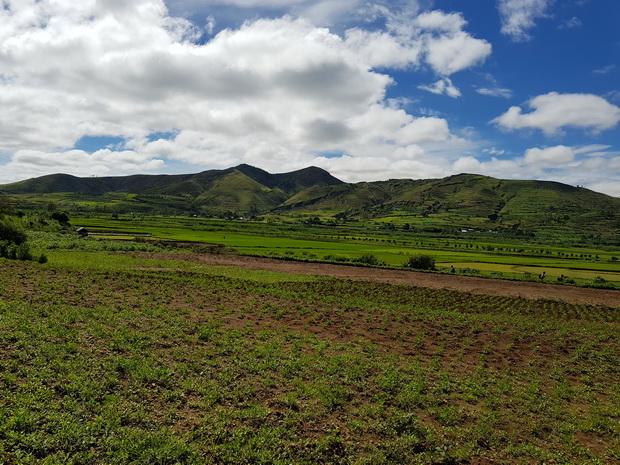 massif Antsahamaina 1504 m